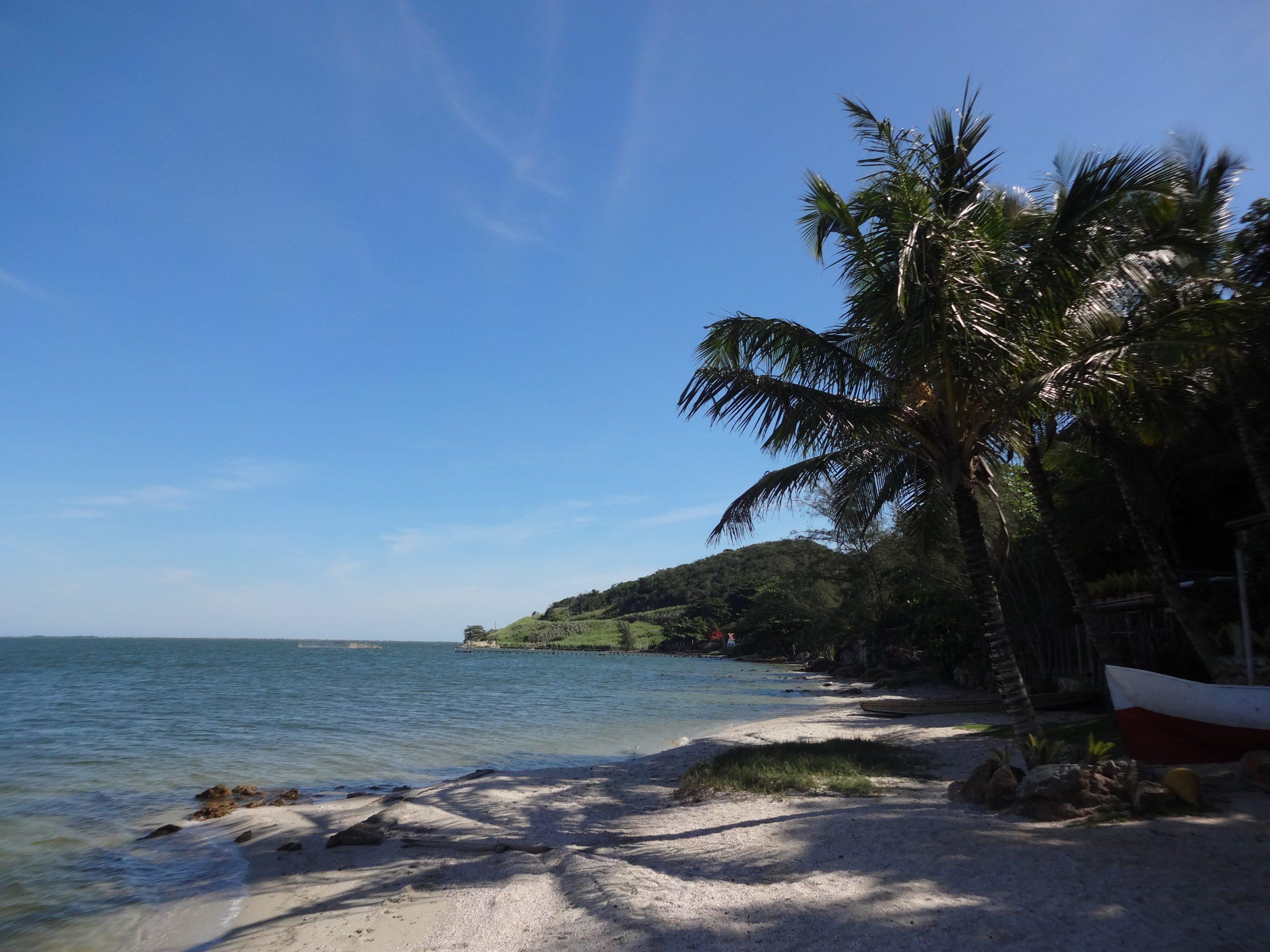 praia_enseada_das_garcas