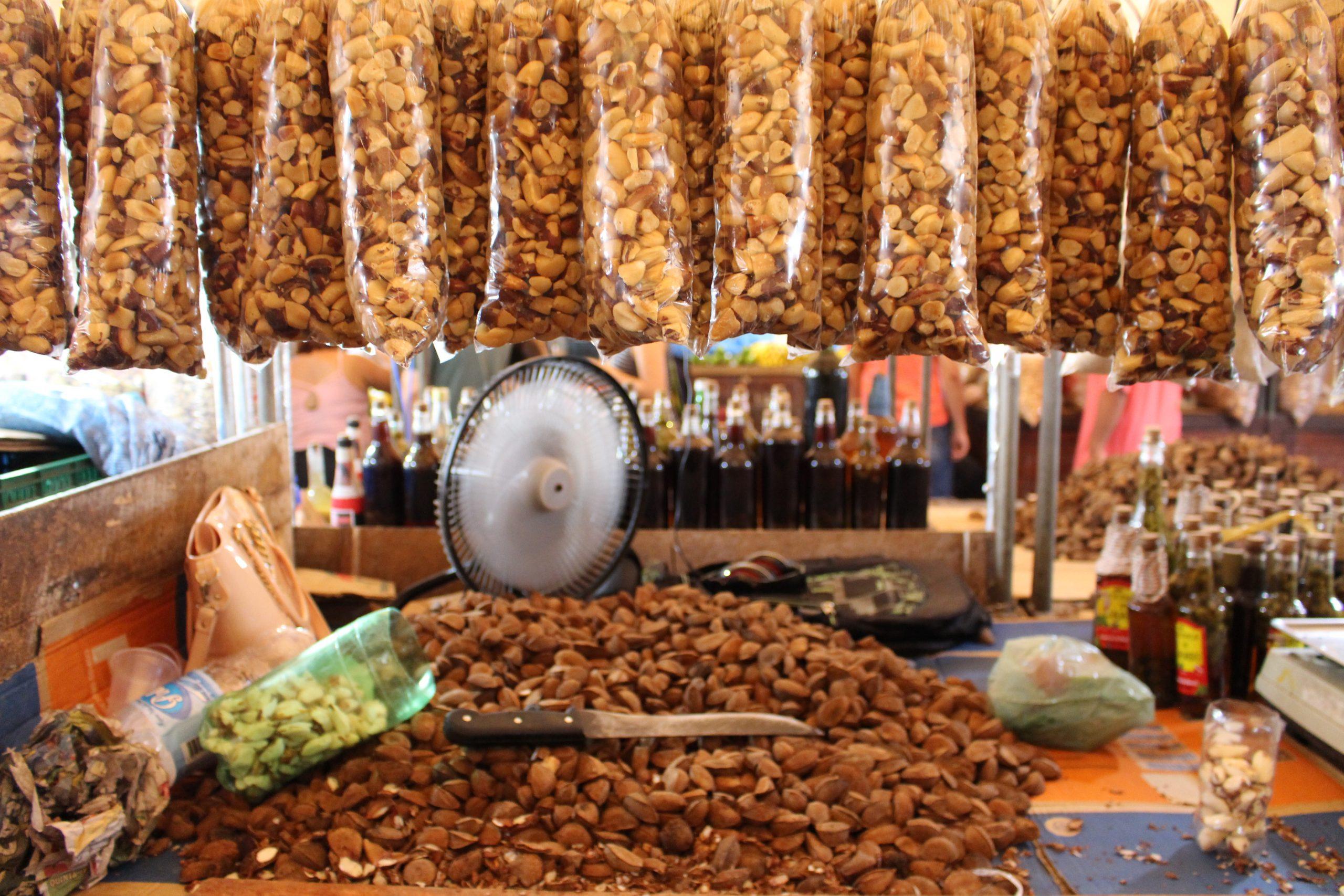 mercado-_ver_o_peso_castanhas