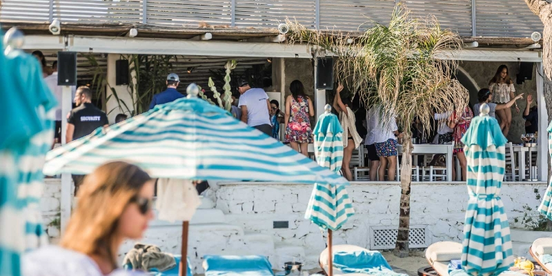 nammos-mykonos-beach-bar-1_1