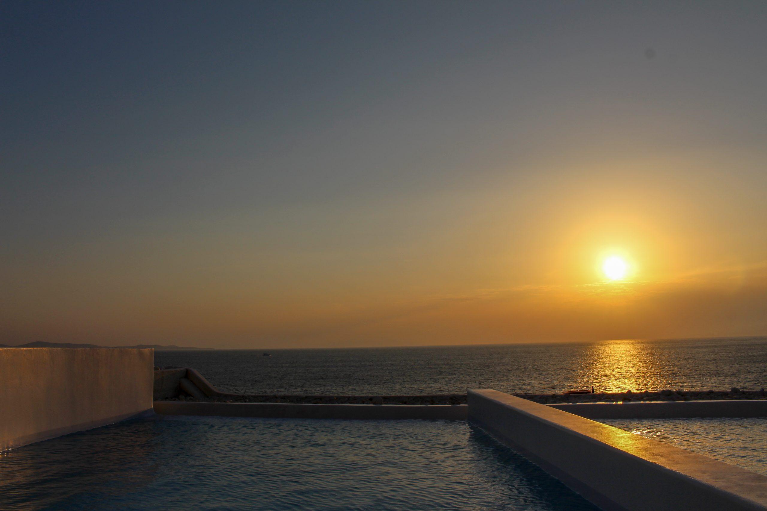 por_do_sol_piscina_privativa_cavo_tagoo