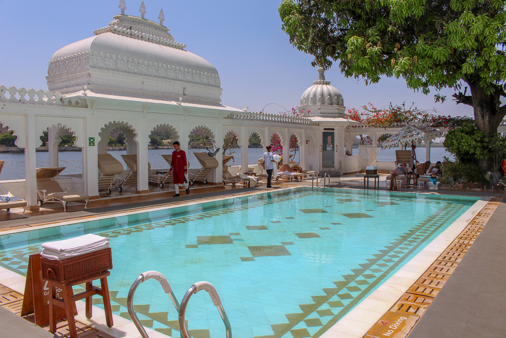 picina_taj_lake_palace_udaipur_india